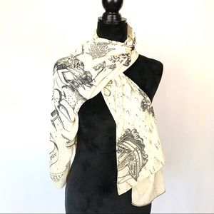 Wizarding World of Harry Potter cream/black scarf